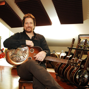 Sonic Travelers: Jerry Douglas & Guitar Shorty