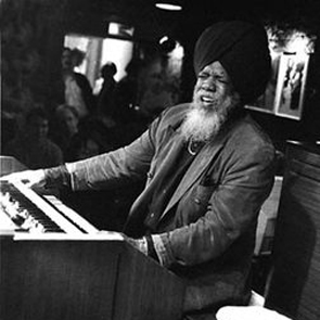 Dr. Lonnie Smith & Terrance Simien: Keys and Squeeze