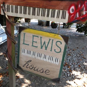 Music and Memories Along the Mississippi: the Lewis Family Museum, Haney's Big House and New Orleans Jazz Funeral